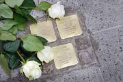 Stolpersteinverlegung am 4. April; Foto: Jörg Fruck